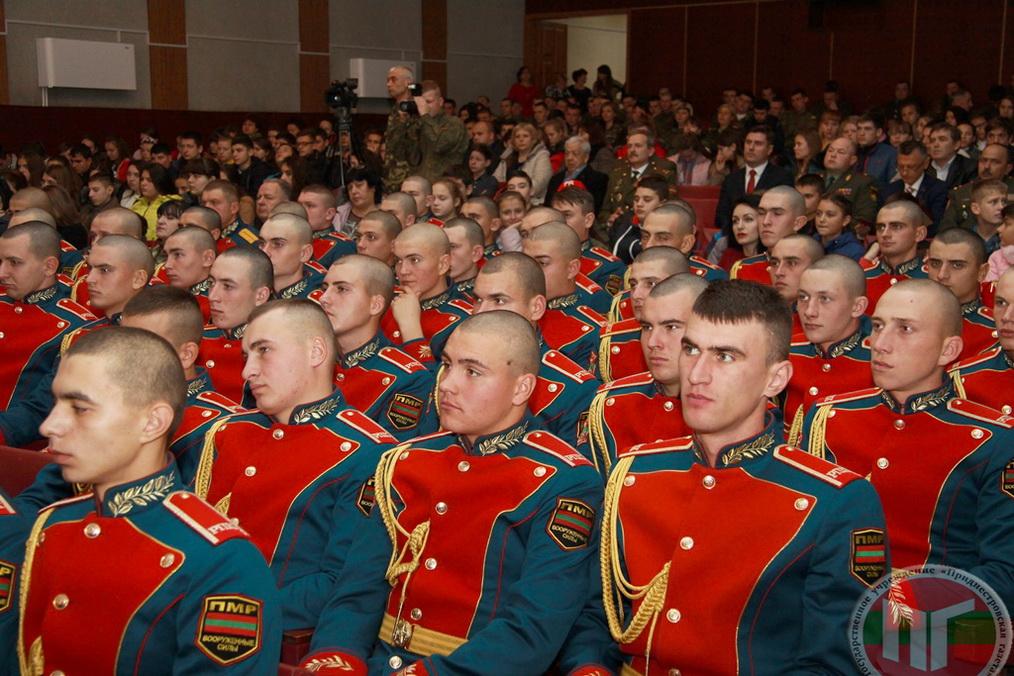 В 20-летний юбилей для военнослужащих РПК в Доме культуры Паркан состоялось торжественное мероприятие