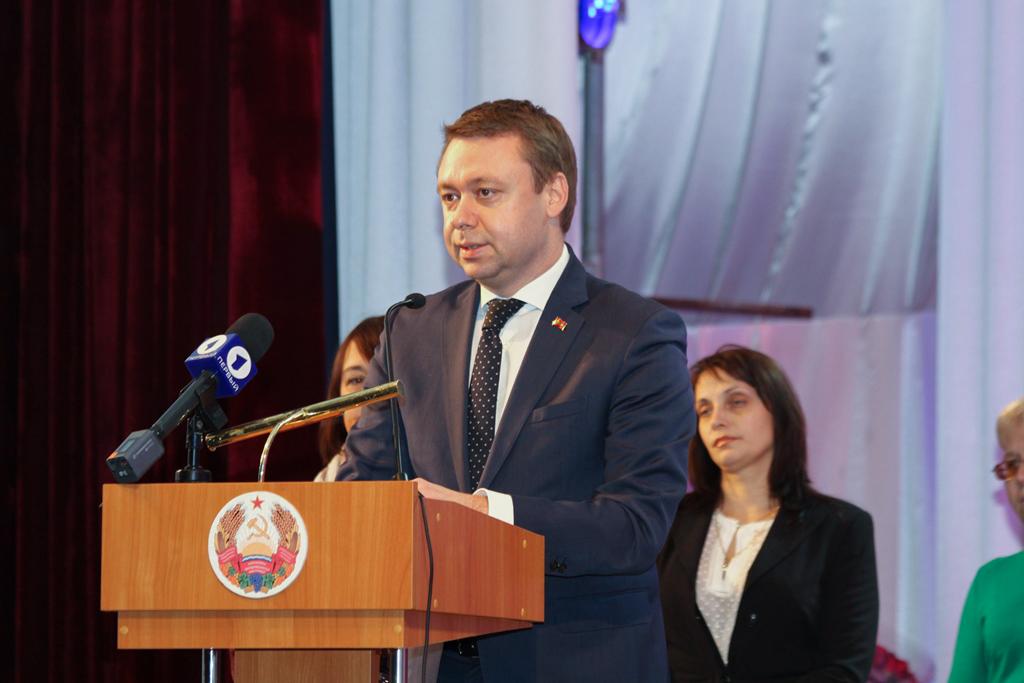 Важность работы центра признал и глава Правительства. «Деятельность «Хэсэда» на территории Приднестровья носит, безусловно, позитивный характер