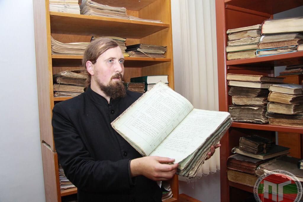 В 1884 году в монастырской библиотеке находились 146 рукописей на молдавском и славянском языках и 2272 печатные книги на молдавском, русском, славянском и греческом языках