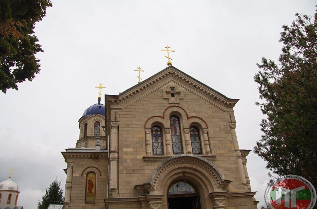 Ново-Нямецкий монастырь является преемником традиций Нямецкой Лавры, находившейся на территории Молдовы