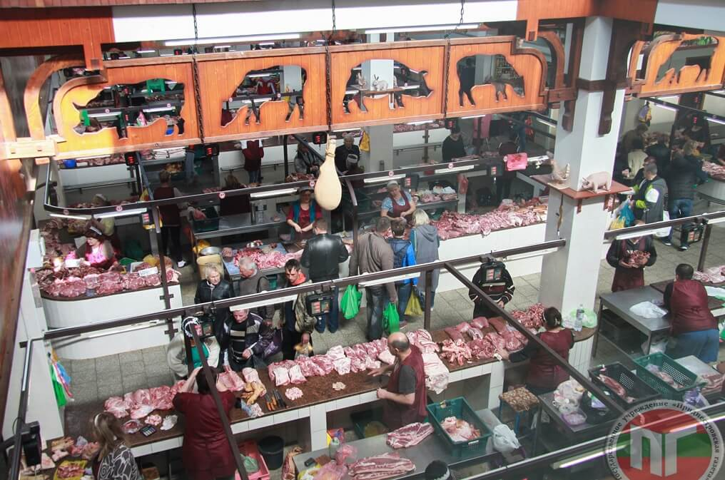 К примеру, в 2010 году к услугам покупателей распахнул свои двери торговый корпус, который в народе называют «Мясной»