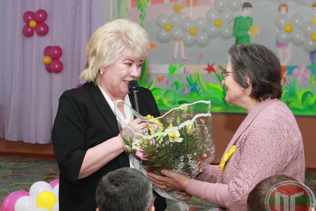 Группе педагогов школы-интерната были вручены государственные награды