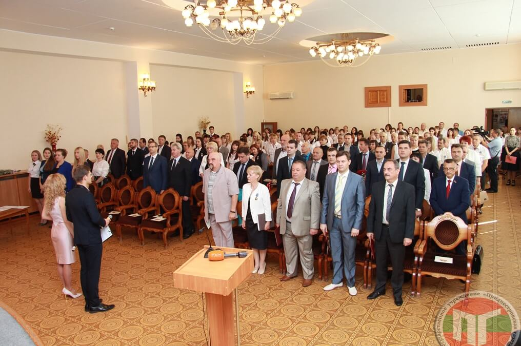 Торжественное собрание в честь годовщины со дня образования Счетной палаты прошло в столичном Дворце Республики