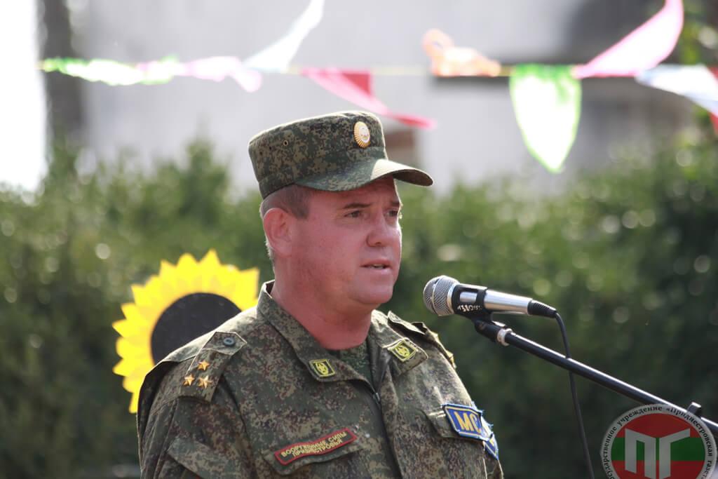 Также к жителям села Бычок обратился со словами поздравлений полковник МС ПМР Николай Никонов